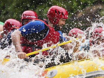 Initiation level rafting in Miño river Arbo 4 km