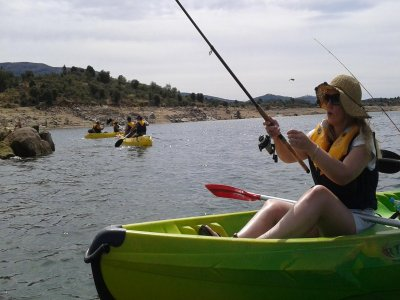 Kayak fishing Picadas dam and lunch Madrid 4 h
