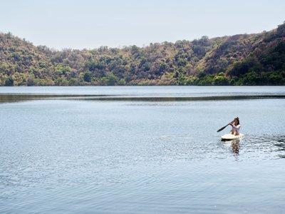 El Atazar canoe route in Cervera de Buitrago