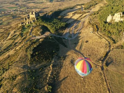 Private balloon flight for two over Loarre