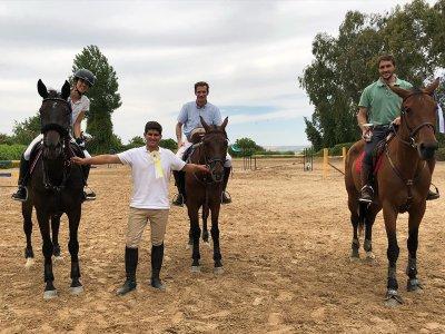 Horse riding class 1 hour