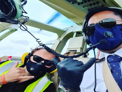 Cheap helicopter flight over Manchester for 6 mi