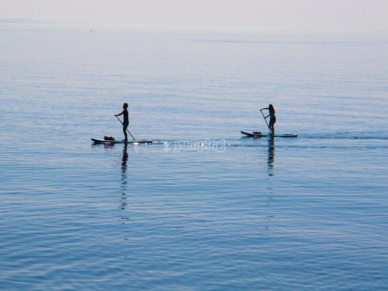 Couples Paddleboarding