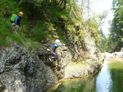 Family canyoning route in Somosierra 3 hours