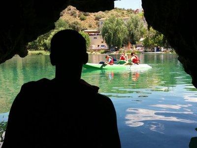 Kayaking in the Ruidera Lagoons in Ruidera Niños