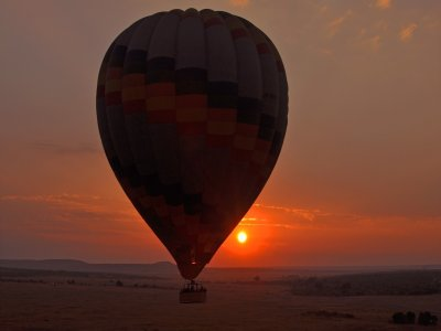Hot air balloon flight for couples and lunch in Segovia