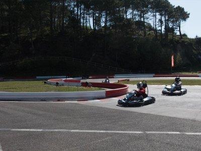 Outdoor two-seater kart session in Sanxenxo Children