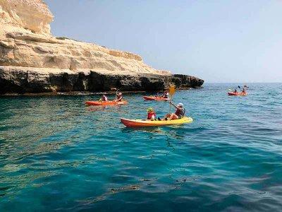Family kayak route Playa de Valdelagrana 90 min