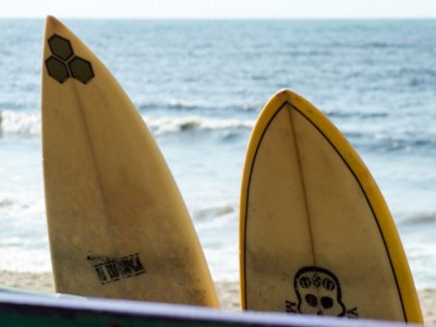 Surf equipment rental on the beach of Malta 1h