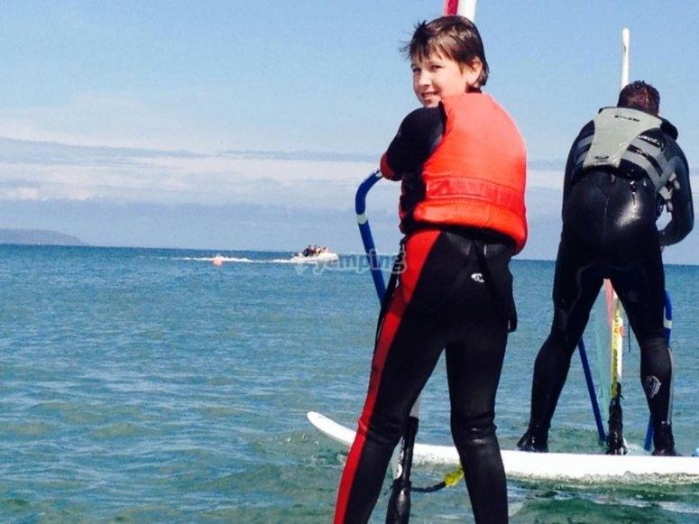Kids windsurfing