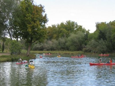 The Oaklands Outdoor Education Centre Kayaking