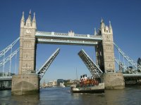 London Tower Bridge opens just for you!