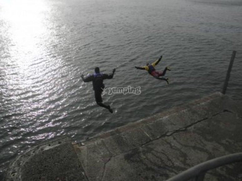 Pier jumping at St Andrews