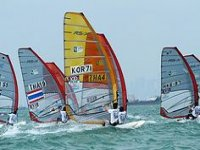 many windsurfers