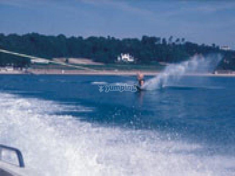 Experienced water skiier