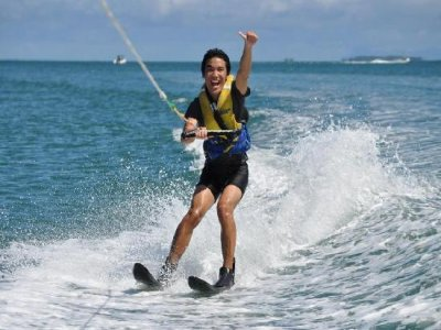 15 Minute Water Ski Experience St Helier