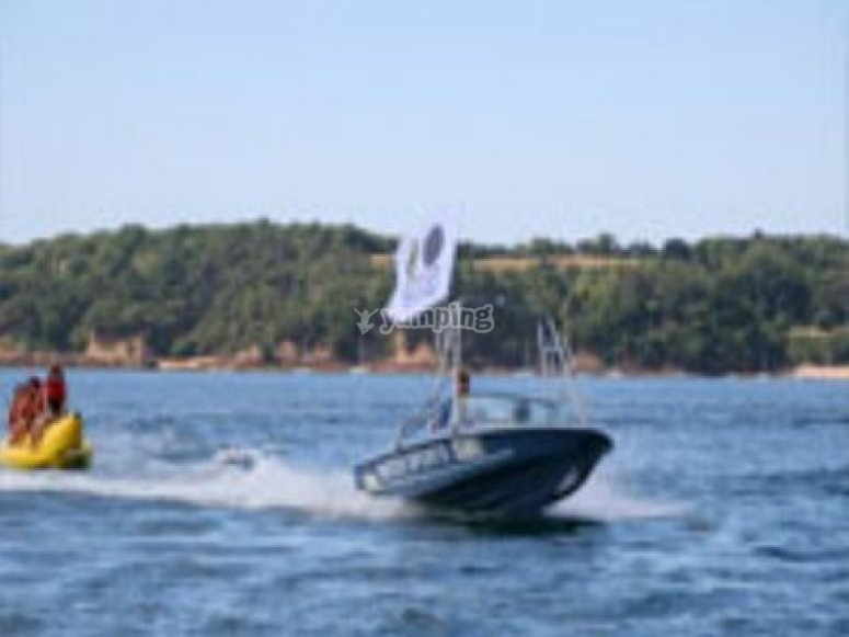 15 Minute Powerboating Experience St Helier