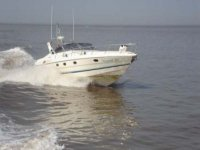 Yachting and powerboating lessons available