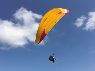Tandem Paragliding Experience in Antrim 45min