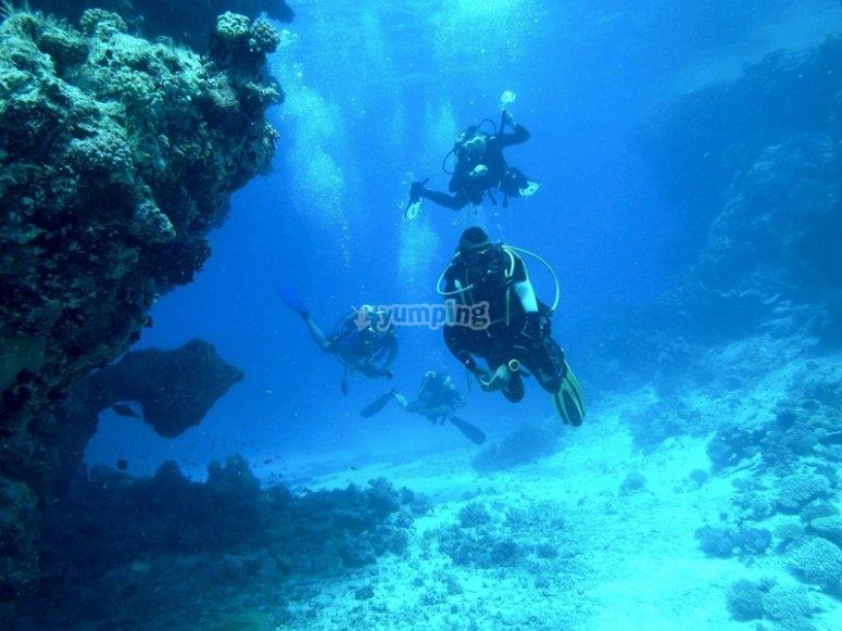 Effortlessly travers underwater