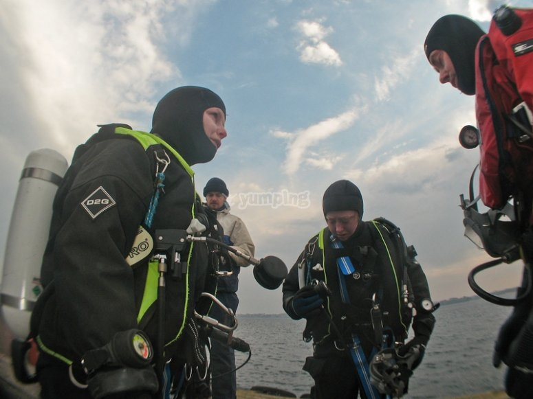Plan your dive mission with the team