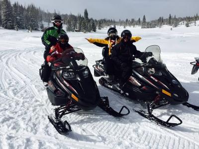 Exciting Pyrenees Motos de Nieve