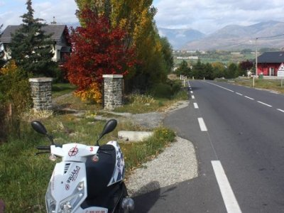 Brújula Rent a Scooter Barcelona
