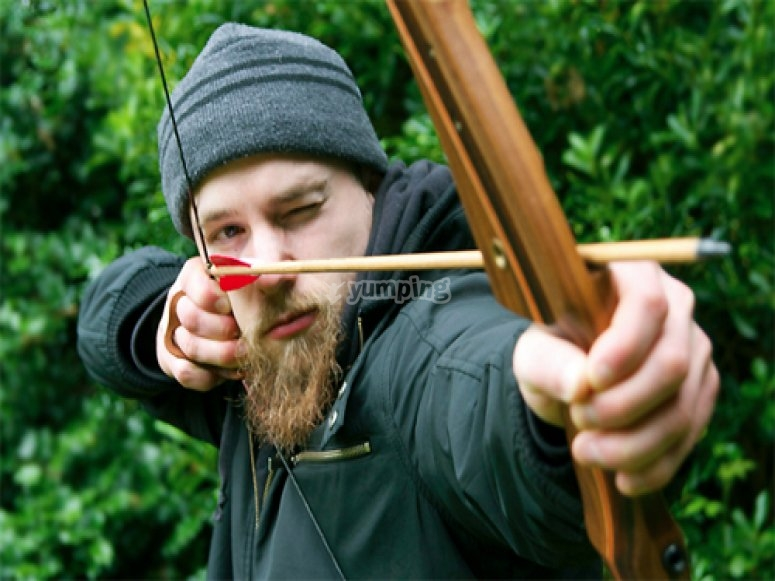 Traditional archery bow