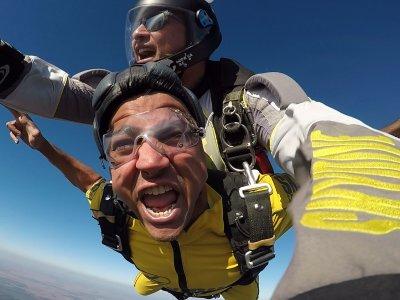 Skydiving jump Seville 1 min freefall 4,600 m