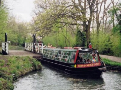 Surrey & Hampshire Canal Cruises