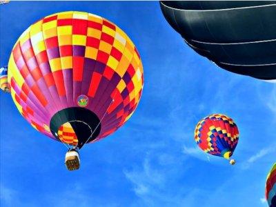 Morning Balloon Flight in Bath for 1h