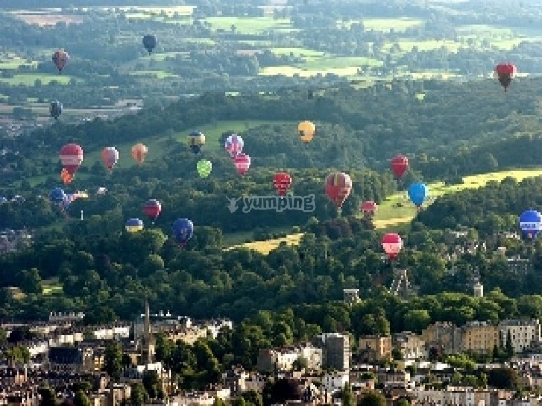 Bristol Balloon Fiesta in sky