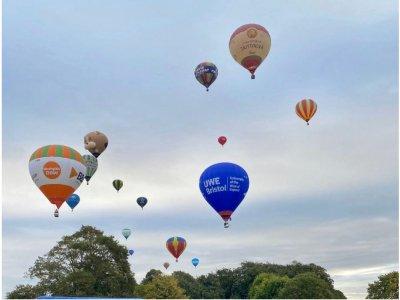 Gold Balloon Flight Bath for 1h