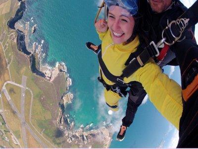 Skyline Parachuting