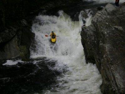Standing Waves Kayaking