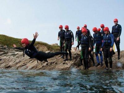 English Surfing Federation Surf School Coasteering