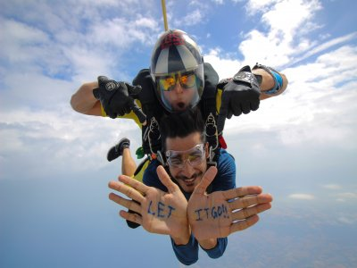Free skydive gold jump Empuriabrava 3 hours