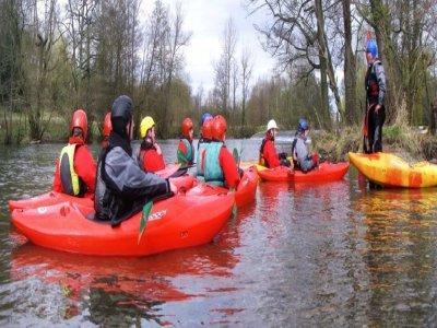 Herts Young Mariners Base Kayaking