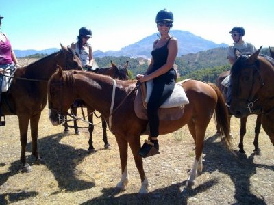 1-Hour Horse Riding Route to Peña Horadada