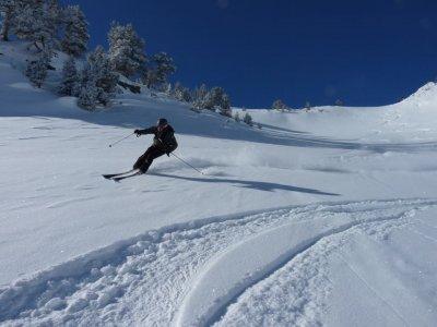Kabi Mountain Guides Company Esquí