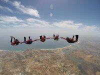 Skydiving in groups