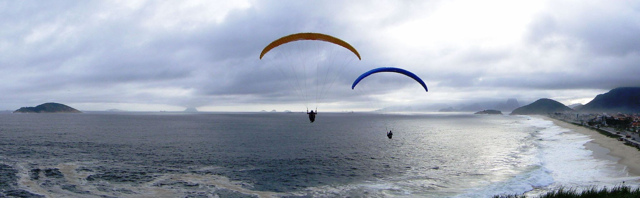 Paragliding in Highland