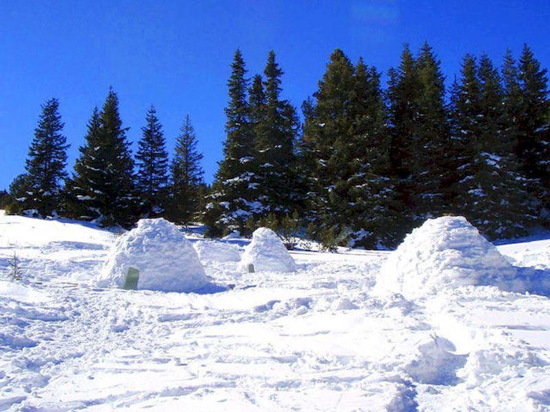 Sleep below a snow roof