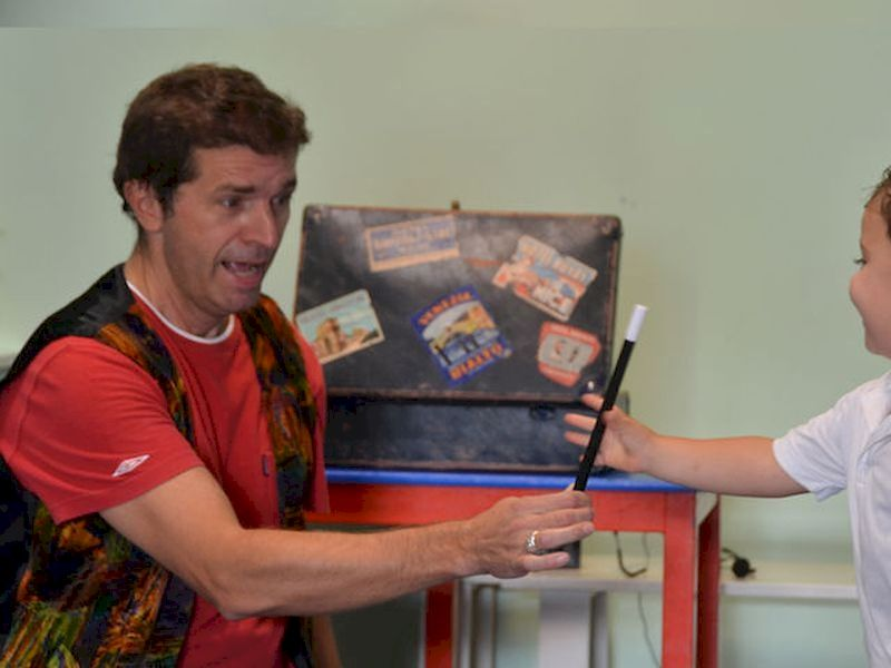 Make the kids have the best time with a live magic show