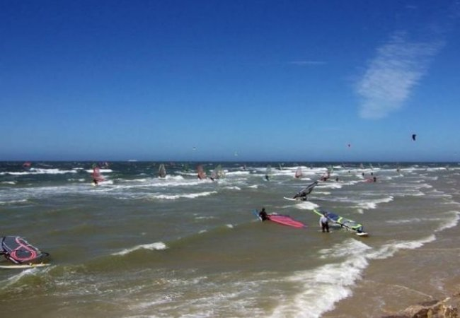 Packed with windsurfers